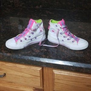 Little girls Hi top converse